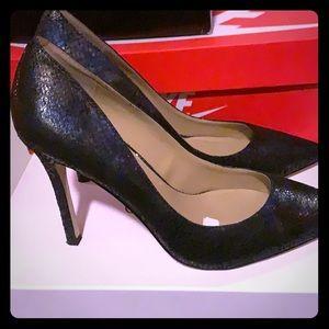 BCBG size 8.5 heels; color blue
